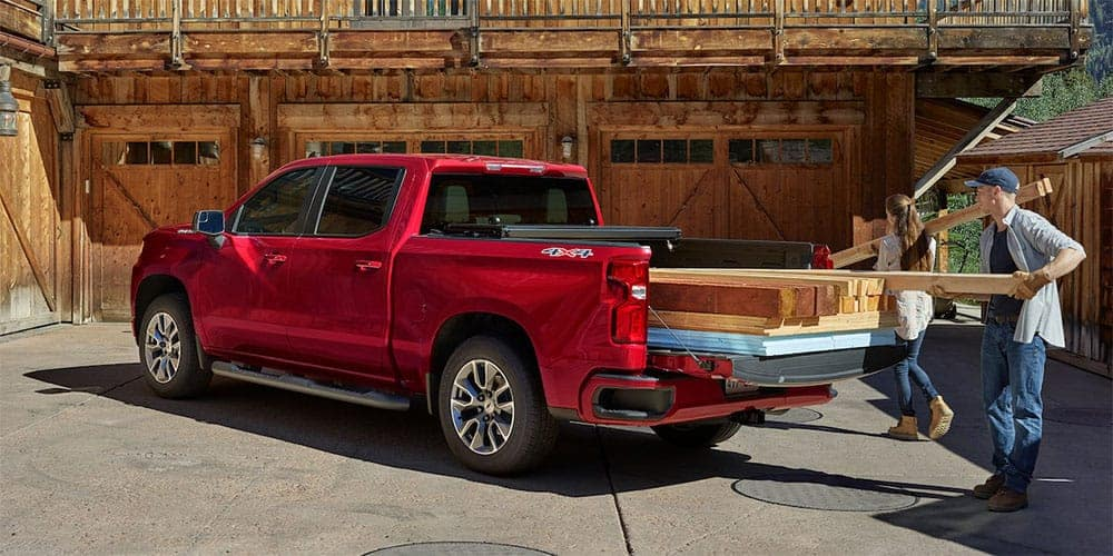 2019-Chevrolet-Silverado-with-Wood-in-Back