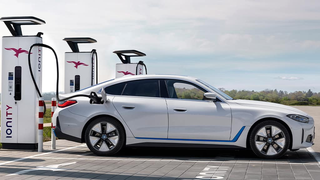 Charging the BMW i4