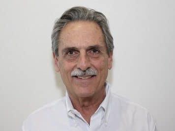 Brad  Lindenstein