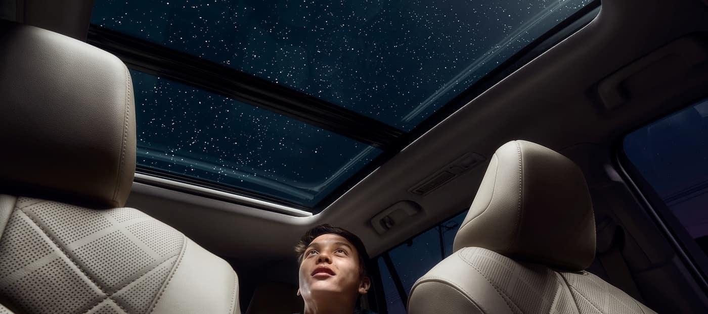 2020 Toyota Highlander interior moonroof