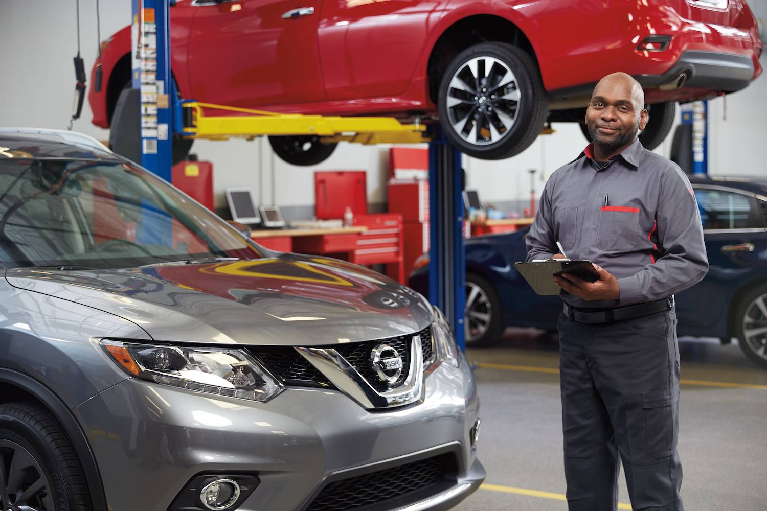 Oil Changes at Nissan | Oil bottle