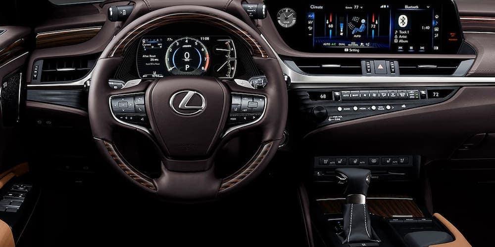 2020 Lexus ES Front Dashboard