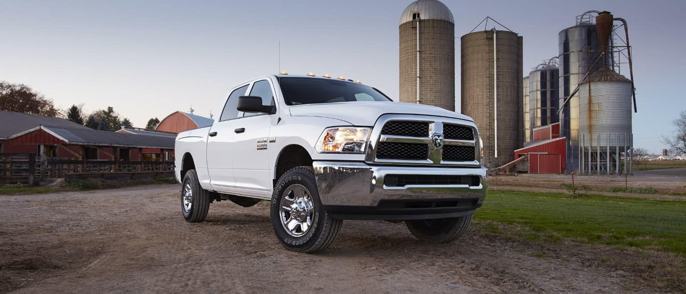 2019 Ram 2500 Engine Options 6 4l V8 Hemi Vs 6 7l Cummins