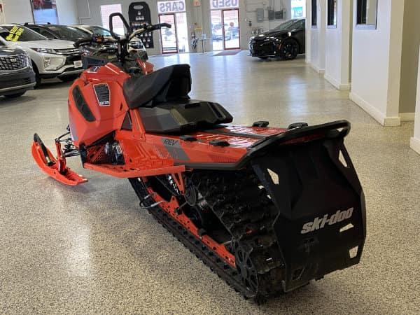 2019 Ski-Doo Backcountry 850 Orange 3