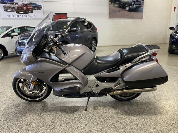 2003 Honda ST1300 – 7