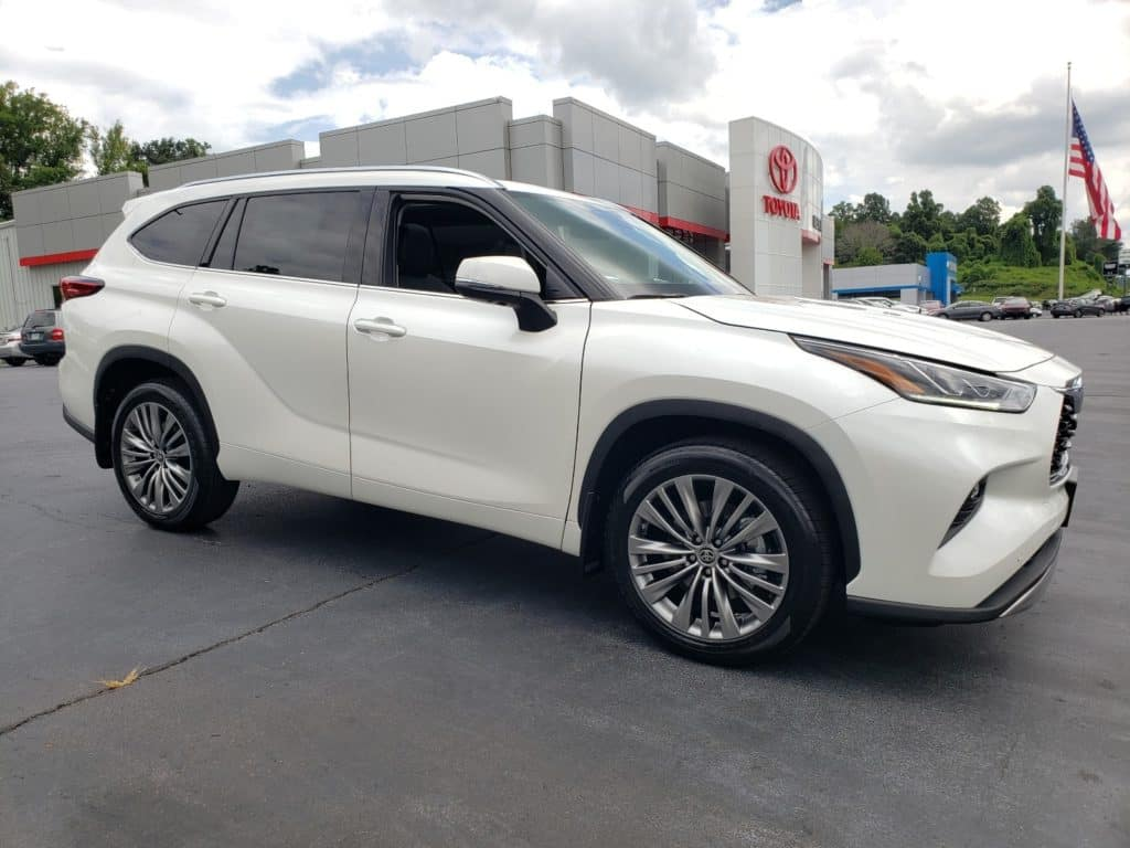Get $1,750 In Customer Cash On The Stylish 2020 Toyota Highlander