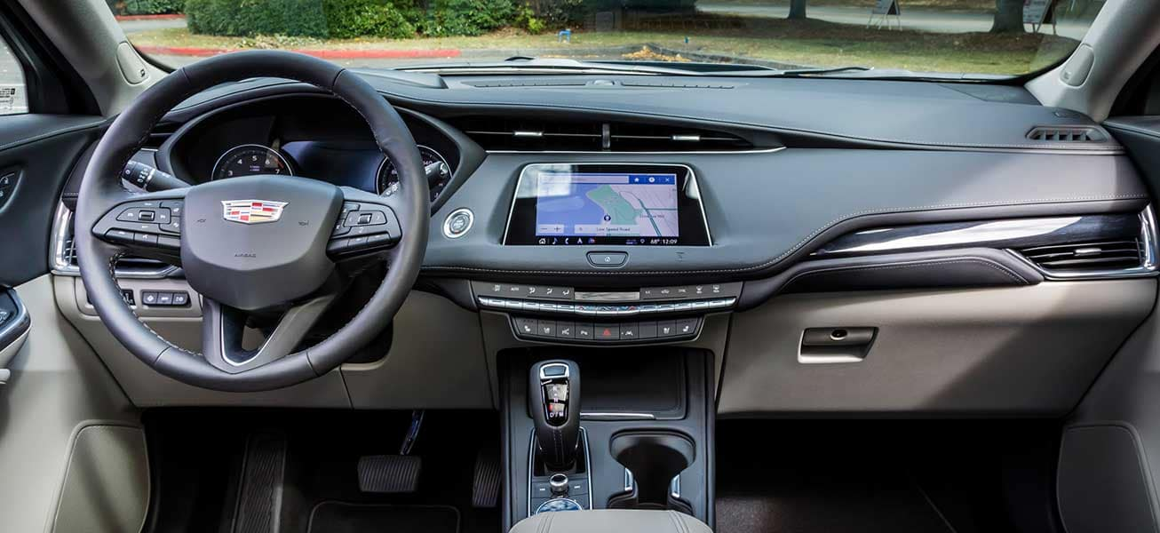 2020 Cadillac XT4 interior cockpit view