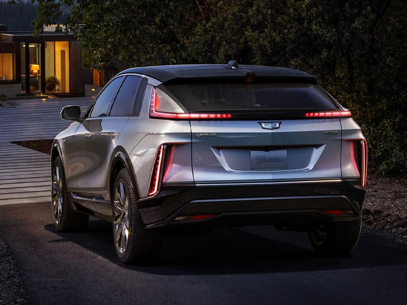 2023 Cadillac LYRIQ features a stunning exterior and all-electric powertrain