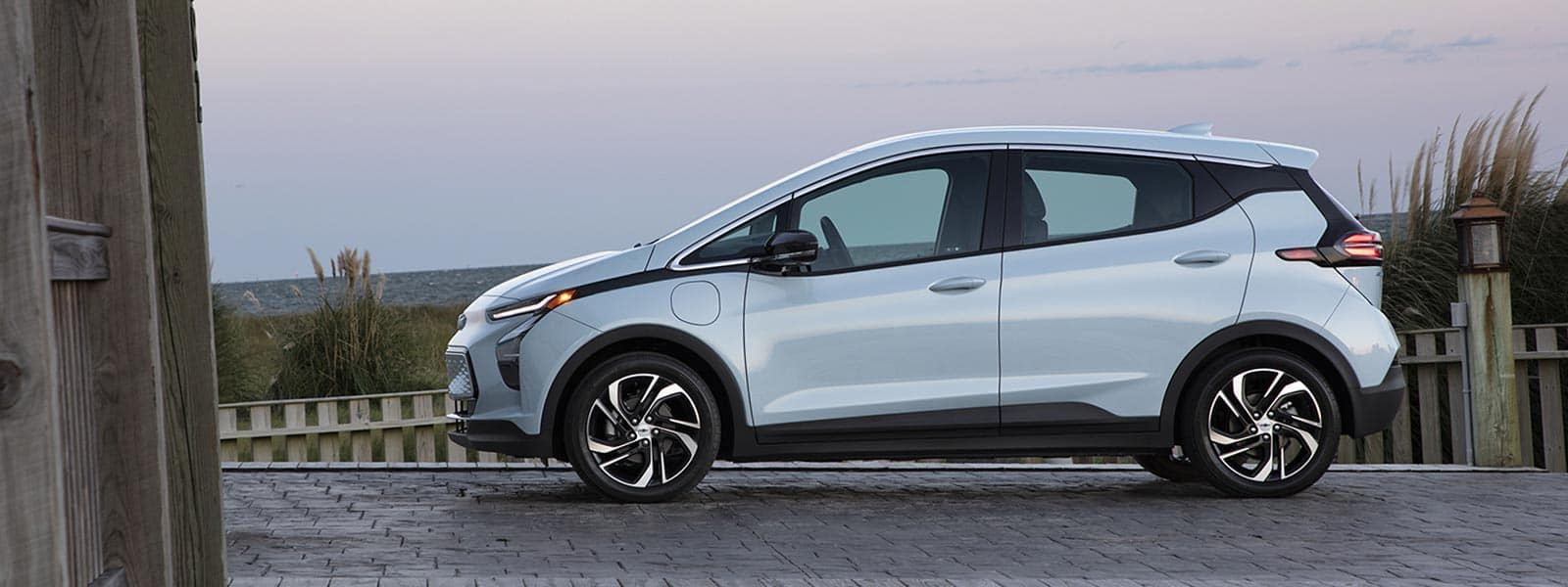 Finance or lease new 2022 Chevrolet Bolt EV in Thornhill ON