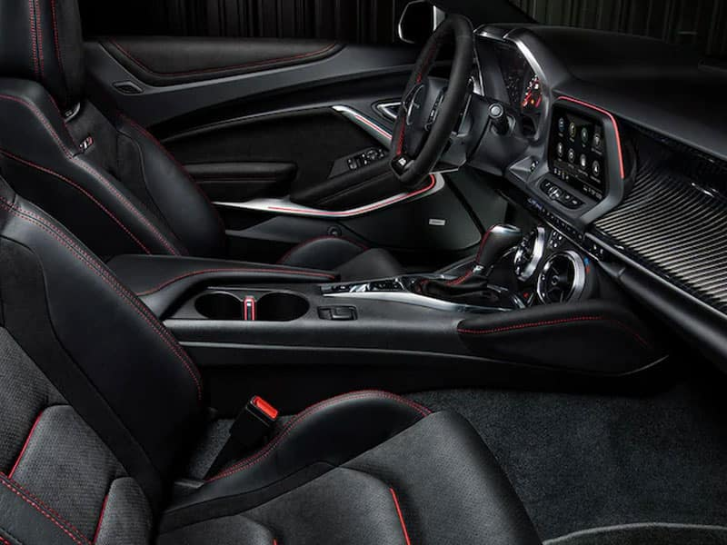 2022 Chevrolet Camaro interior comfort and technology
