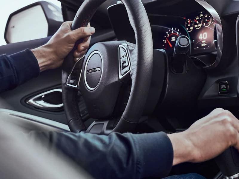 2022 Chevrolet Camaro interior and technology
