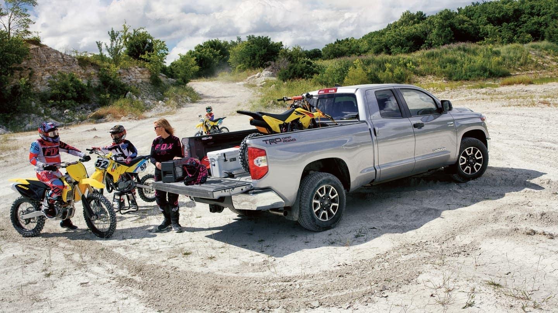 2020 Toyota Tundra hauling dirt bikes