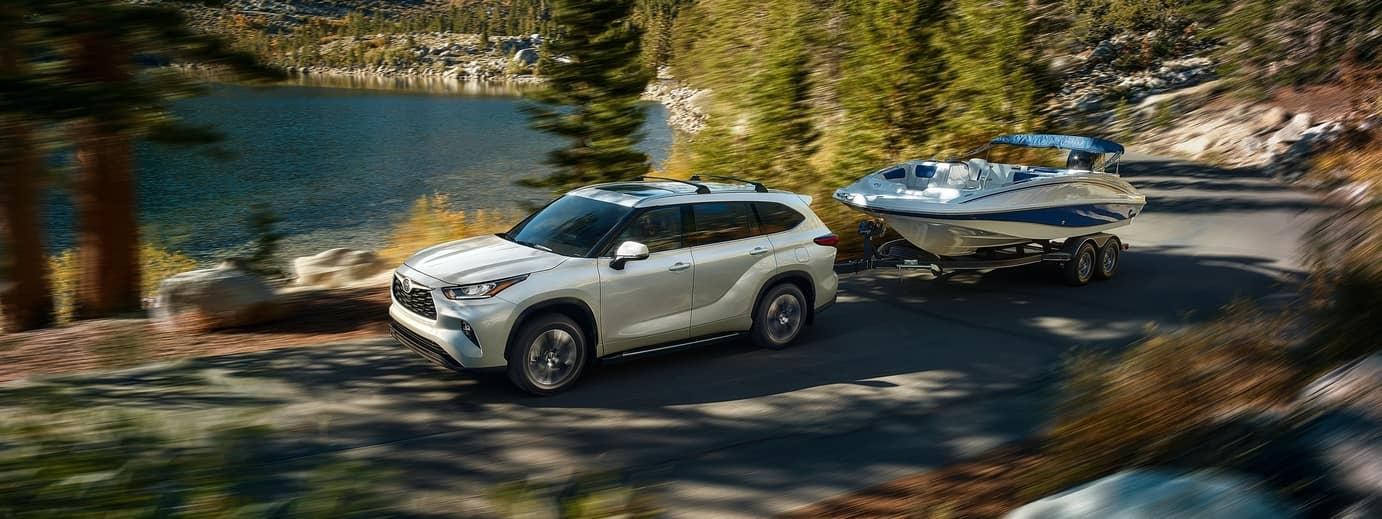 toyota highlander towing boat