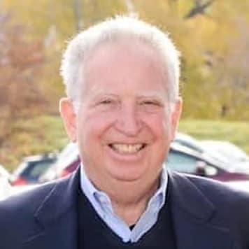Fred  Straus
